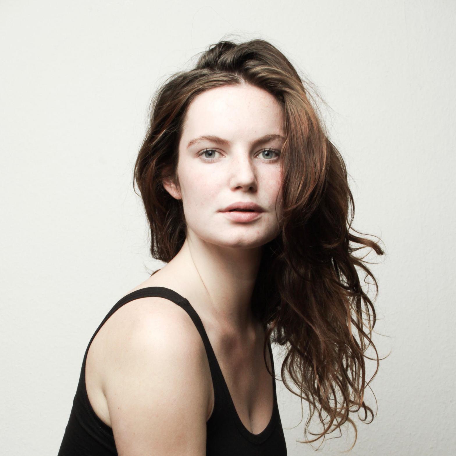 Director's biography: Sarah Blok